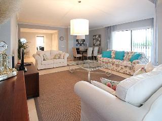 Beachside apartment in San Pedro - San Pedro de Alcantara vacation rentals