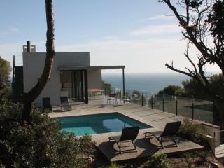 Modern villa, pool, very quiet, 5min to the beach - Begur vacation rentals