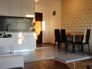 Lovely 2 bedroom Apartment in Zadar - Zadar vacation rentals