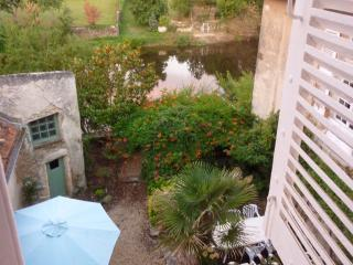 Riverfront home in town, steps to the market - Montmorillon vacation rentals