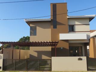 Aluguel de temporada em Guarajuba, 4 quartos - Guarajuba vacation rentals