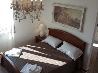 City center, sea view (A wifi) - Syracuse vacation rentals