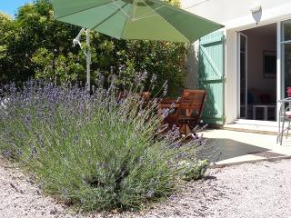 Nice Villa with Internet Access and Satellite Or Cable TV - Narbonne vacation rentals
