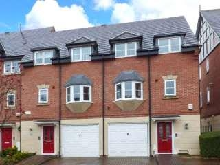 Luxury 2 Bedroom Townhouse in  Northwich Cheshire close to Chester - Northwich vacation rentals