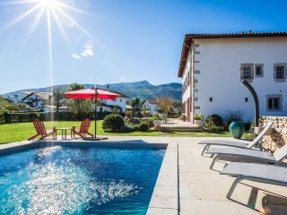 Luxury Renovated Villa w/ Pool - 10 min to beach - Ascain vacation rentals