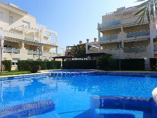 Cozy 3 bedroom Oliva Apartment with Television - Oliva vacation rentals