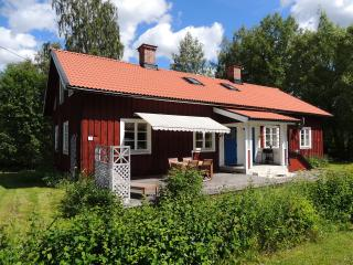 4 bedroom Bungalow with Internet Access in Ockelbo - Ockelbo vacation rentals