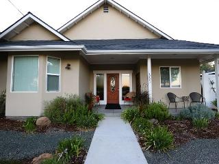 Charm on Chestnut--Great Westside Location Close to Downtown! - Paso Robles vacation rentals