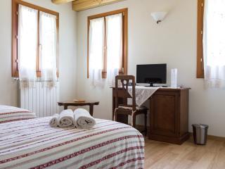 Casolare La Quercia - INTERA CASA - Correzzola vacation rentals