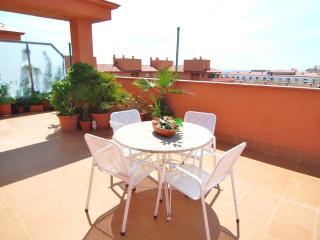 2 bedroom Apartment with Shared Outdoor Pool in Santa Susana - Santa Susana vacation rentals