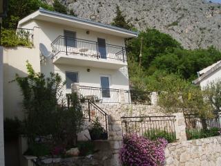 Almira - Omis vacation rentals
