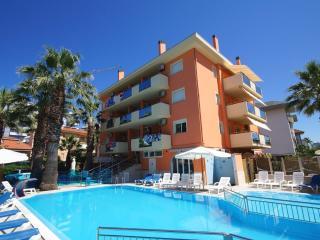 7 PAX CON PISCINA VICINO AL MARE - Porto d'Ascoli vacation rentals