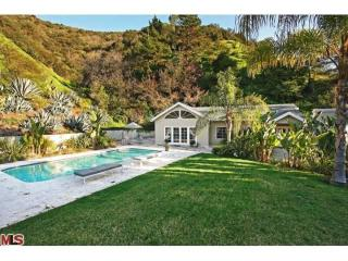 Two Bedroom House With Pool and Guesthouse - Beverly Hills vacation rentals