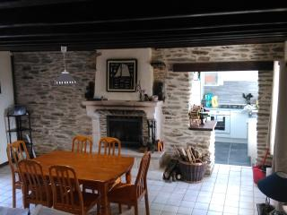 Traditional stone cottage in Norman countryside - La Glacerie vacation rentals