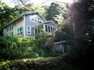 Charming 3 bedroom Mille-Isles Chalet with Deck - Mille-Isles vacation rentals