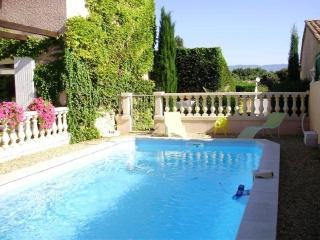Nice Gite with Internet Access and A/C - Pertuis vacation rentals