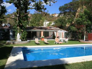 Quinta Tamarindos, Descanso y Alberca - Yautepec vacation rentals