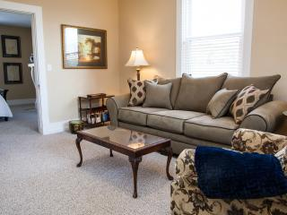 Bright Condo with Internet Access and A/C - Pittsburgh vacation rentals