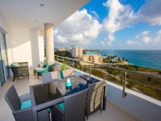 Cupecoy Beach Luxury Condo - Blue Mall - Cupecoy Bay vacation rentals