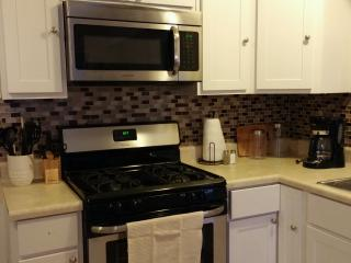 Aweome Remodeled Home in Colonial Place - Norfolk vacation rentals