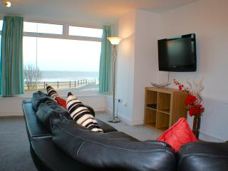 Sea view, 2 bedroom luxury apartment - Bridlington vacation rentals
