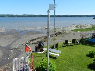 Nice House with Internet Access and Satellite Or Cable TV - Saint-Laurent-de-l'Ile-d'Orleans vacation rentals