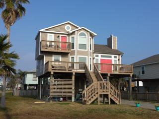 The Driftwood - Perfect Location & Tiki Bar - Galveston vacation rentals