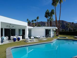 """Yosemite Modern"" property pool/spa & Amazing View - Palm Springs vacation rentals"