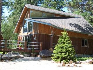 2 Bedroom cabin with loft - sleeps 6-8 - Lead vacation rentals