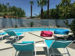 Luxury Retreat for 10. Remodeled and Furnished in 2015 - World vacation rentals