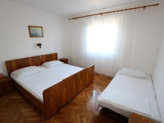 Room for 3 with bathroom(Zrće area)(B5) - Novalja vacation rentals