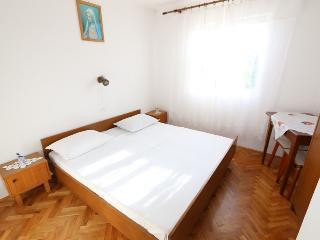 Room for 2 with bathroom(Zrće area)(B6) - Novalja vacation rentals