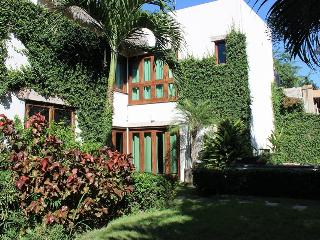 Welcome to Casa Valadau, Enjoy quiet hillside. - Sayulita vacation rentals