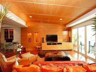 Luxurious  5 Star Top Floor Beach  Front Condo - Hua Hin vacation rentals