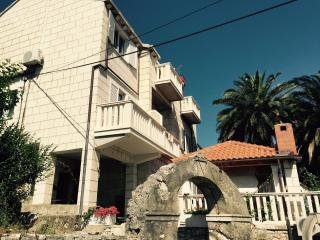 Nice 1 bedroom Korcula Apartment with Internet Access - Korcula vacation rentals