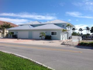 4/3 With Pool and 50 Feet of Dock - Built 2014 - Key Colony Beach vacation rentals