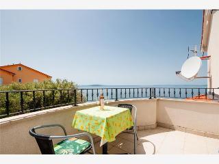 Studio apartment - Lun vacation rentals