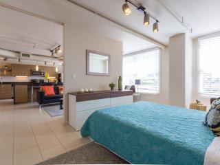 Cozy Condo with Internet Access and A/C - Phoenix vacation rentals