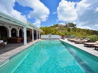 Enjoy sunrise and sunset views from this Caribbean home with a Moroccan flare. C CAN - Terres Basses vacation rentals