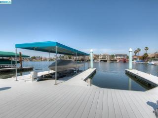 Luxurious Large Deep Water Home - Discovery Bay vacation rentals