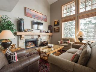 Perfect 3 bedroom Snowbird Apartment with Hot Tub - Snowbird vacation rentals