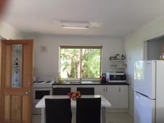 Comfortable 1 bedroom Vacation Rental in Aldgate - Aldgate vacation rentals
