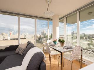 Immaculate Two Bedroom With View - Vancouver vacation rentals