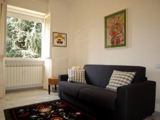 APARTMENT DERGANO (METRO 3  MILANO) - Milan vacation rentals