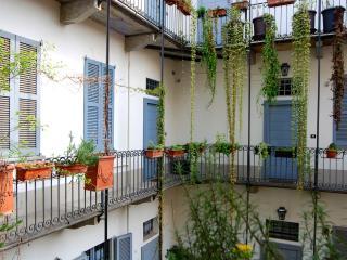 APARTMENT NAVIGLI TORTONA MILANO - Milan vacation rentals
