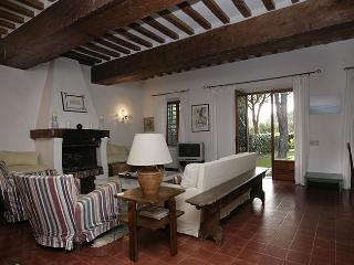 Seafront farmhouse, garden, private parking - Giannella vacation rentals