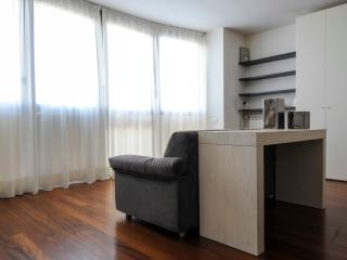 NAVIGLI 20 APARTMENT - Milan vacation rentals
