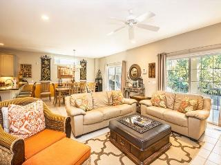 Henry Lane 11, 4 Bedroom, Screened in Private Pool, Walk to Beach, Sleeps 14 - Palmetto Dunes vacation rentals