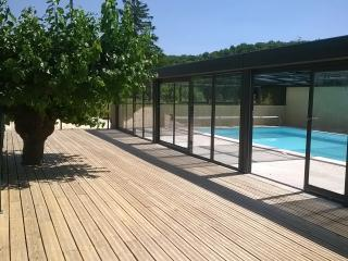Le Grand Gîte pour 10 à 15 personnes avec piscine - Banne vacation rentals