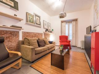 Modern Loft next to Mercado de San Miguel - Hedren - Madrid vacation rentals